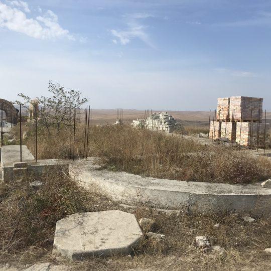 Stroitelstvo-razrushennogo-hrama-na-meste-yavleniya-Svyatogo-Velikomuchennika-Georgiya-540x540.jpg